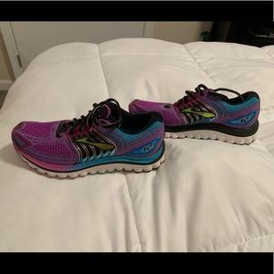 Brooks Glycerin 12 size 6 Women's running shoes